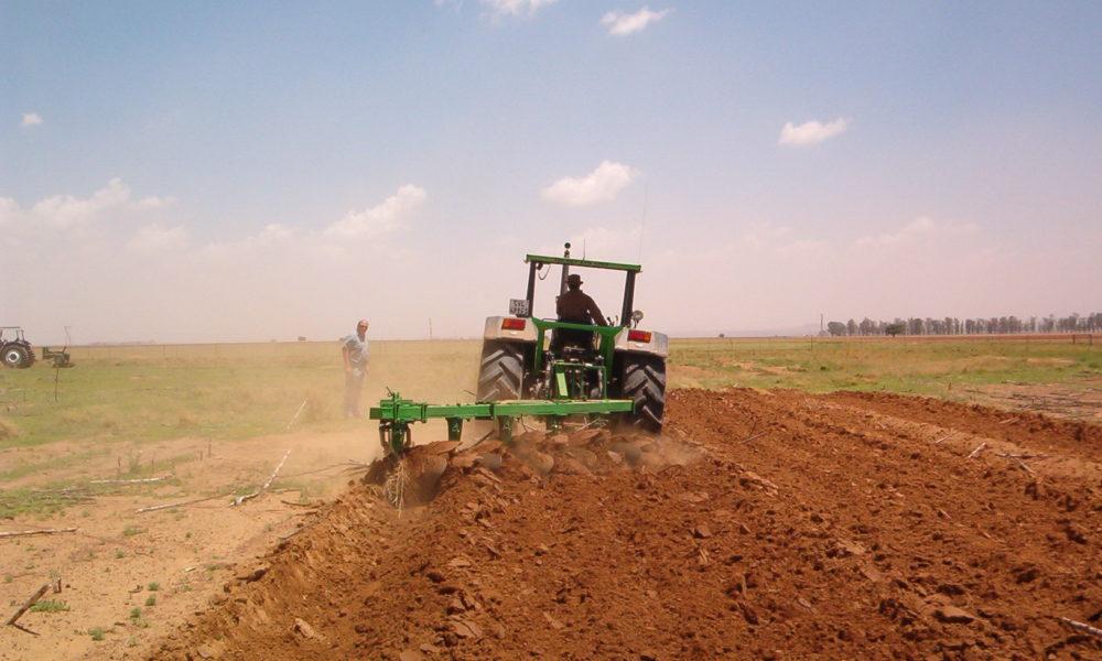 https://independentminute.com/wp-content/uploads/2018/02/farmer-plow-field-1000x600.jpg